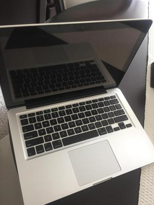 MacBook Pro 13.3, procesador intel core i7, office Mac