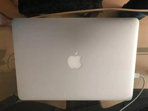 Macbook Pro Retina 13 Intel Core I5 8 GB Ram SSD 256 GB MID