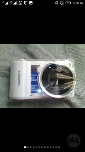 Cámara Samsung Híbrida Semiprofesional