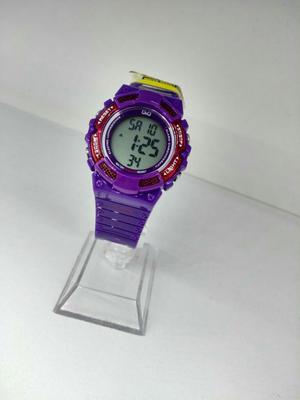Reloj Qyq Digital Morado Sumergible
