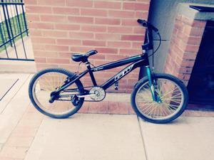 Se Vende Bicicleta Cross en Buen Estado
