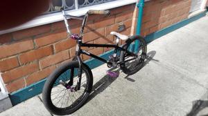 Vendo bicicleta tipo Bmx