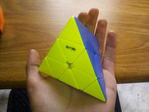 Pyraminx cubo piramide sensho ORIGINAL