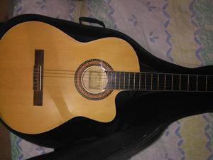Se vende guitarra Electro acústica en excelente estado