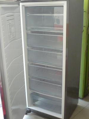 Vendo Congelador Marca Whirlpool Grande