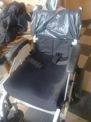 Se vende silla de ruedas elctrica completamente nueva sin