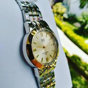 Reloj Qyq Original
