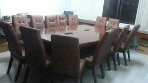 Sala De Juntas O Mesa Para El Concejo
