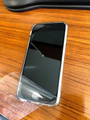 iPhone 6S 16 Gb, excelente estado, incluye caja y protector.
