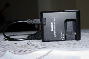 Cargador Nikon mh25