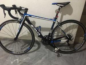 Bicicleta Ruta En Fibra De Carbono Marca Sava. Claris