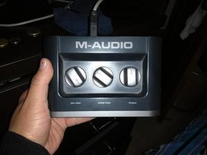Micrófono Condensador, Interfaz de Audio