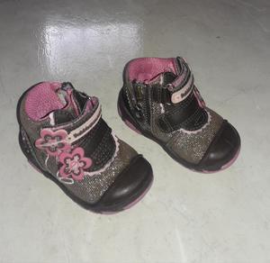 Vendo botas bubble gummers talla 18