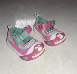 Vendo zapatos bubble gummers talla 18