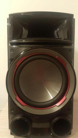 vendo equipo de sonido lg CM como nuevo, único dueño
