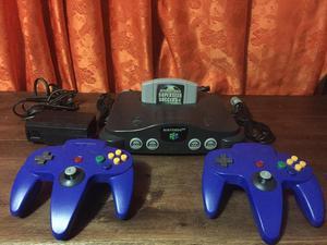 Nintendo 64 con 2 controles y 1 juego