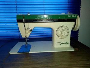 Se vende maquina de coser.