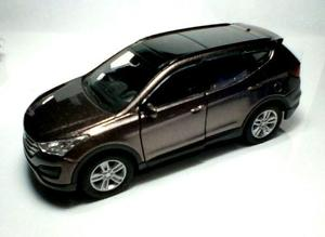 Carro A Escala 1:32 Hyundai Santafe. Marca Welly. Escarlata