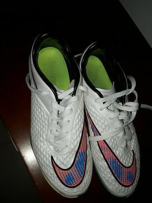 Tacos de Fútbol Nike Hypervenom