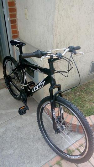 Hermosa Bicicleta de Aluminio Marca Gw
