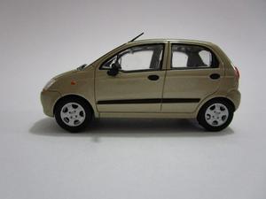 Chevrolet Spark A Escala Pequeña 8cm De Coleccion
