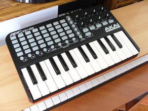 teclado controlador midi akai apc key 25 para ableton live,