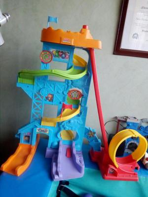 Pista de 80 cm de alto, musical fisher price con 2 carros y