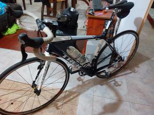 Bicicleta de ruta marca TREK referencia MADONE 3.1