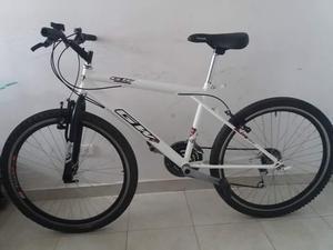 Se vende bicicleta gw rin 26 con su tarjeta.