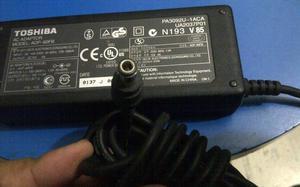 ADAPTADOR TOSHIBA ADP60 FB 15V 4A 60W
