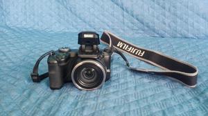 Vendo o cambio cámara semiprofesional Fujifilm FinePix
