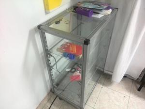 VITRINAS PEQUEÑAS EN BUEN ESTADO