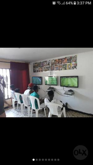 Sala de Video Juegos de Xbox 360 Y Play