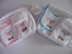 primera muda del bebe.toalla,cobija,babero, mameluco con
