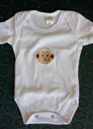 Mameluco para bebé recién nacido.