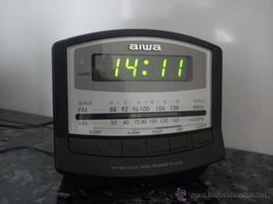 Radio reloj despertador de Aiwa Modelo FRA150EZ