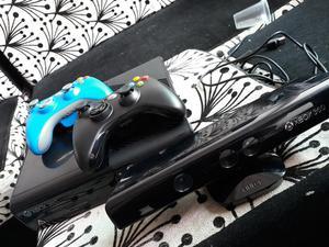 Xbox  con Kinect 2 Controles