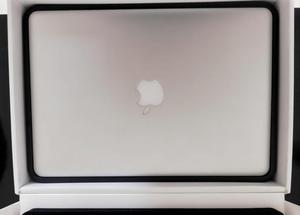 MacBook Pro 13 en Excelente estado con caja y cargador