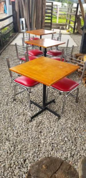 venta de jugo de mesas y sillas en un muy buen estado. ganga