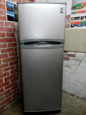 Nevera Icasa No Frost de 270 Litros