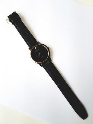 Reloj D'mario Caballero