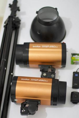 Kit Luces flash de estudio marca godox fotografia