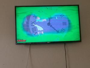 Tv LG en buen estado 43 pulgadas poco meses de uso