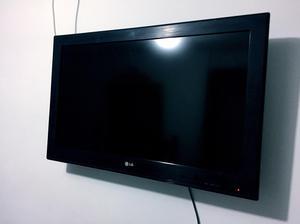 """Tv Lg de 32"""" con Soporte"""
