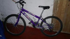 Vendo Bicicleta Todoterreno Morada