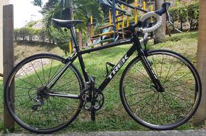 Bicicleta de Ruta Marca TREK. Hermosa, en Excelentes