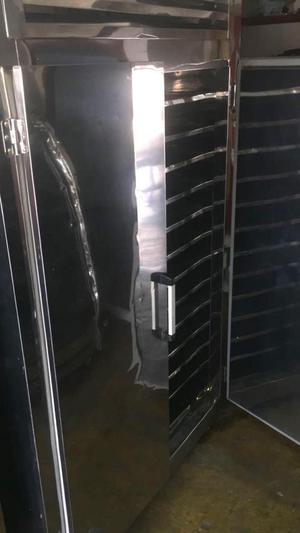 Cubetero o Congelador de pulpas dos puertas
