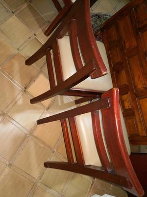 Sillas en cuero y madera tallada excelente posot class for Sillas de madera para escritorio
