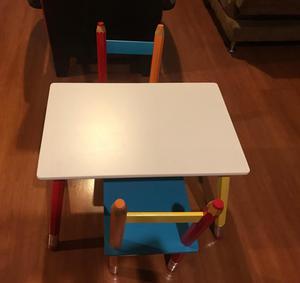 Mesa de madera para nios