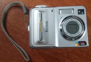 Cámara Kodak EasyShare C653. Para reparar o repuestos.